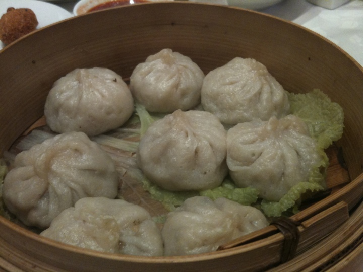 graceful steamed shanghai dumplings